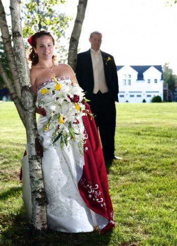 wedding dress white red