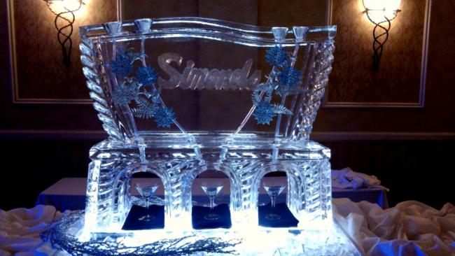 Beautiful Snowflake Ice Sculpture Drink Luge