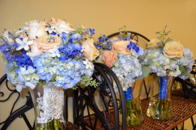 Bride & Bridesmaids' Bouquets
