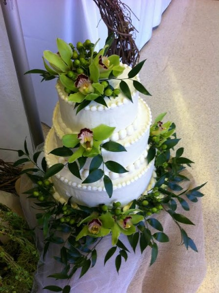 Beautiful Wedding Cake with Green Flowers