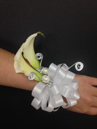Calla Corsage With Pearls
