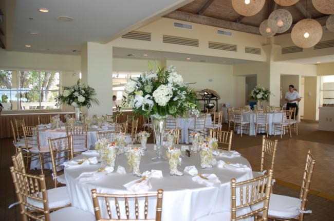 Incredible White and Gold Wedding Reception Decorations 650 x 431 · 77 kB · jpeg