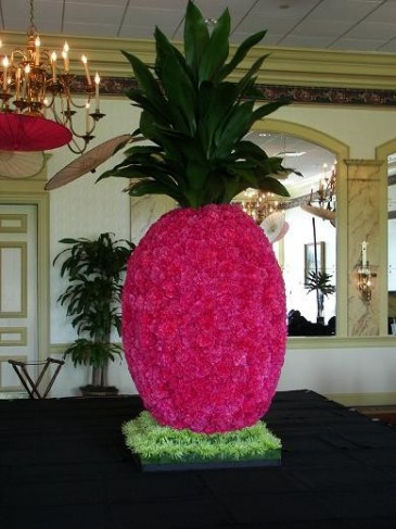 Pink Pineapple Buffet Piece personal