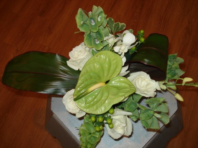 Green White Wedding Centerpiece Share Wedding Centerpieces to match any