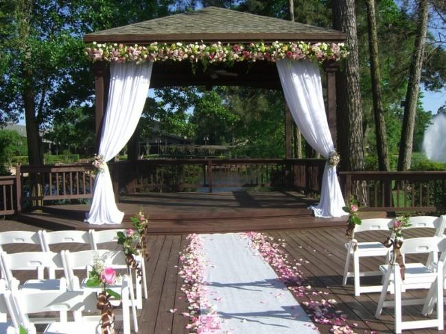 floral gazebo wedding decor