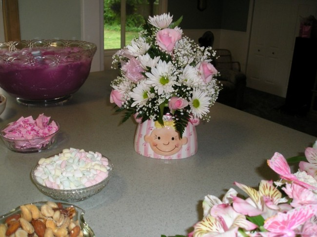 it 39 s a girl baby shower centerpiece share