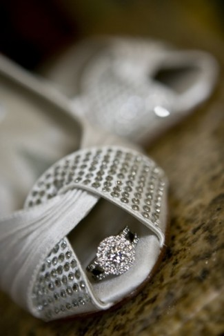 wedding accessories the round diamond wedding ring and the bridal shoes