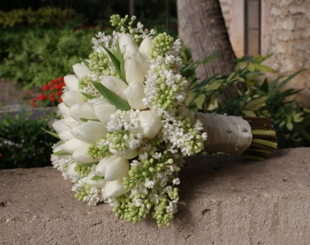 This stunning tulip bouquet is perfect for winter weddings but is also a