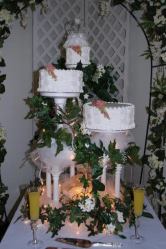 [Tiered Wedding Cake]