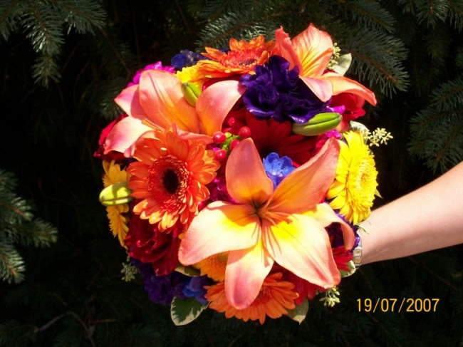 Summer Wedding Bouquet with Daisies