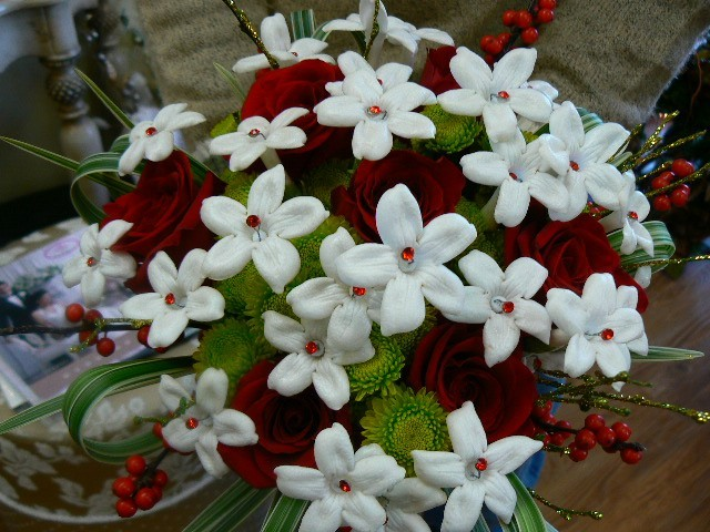 Christmas Holiday Bridal Bouquet Share Perfect for a Christmas wedding