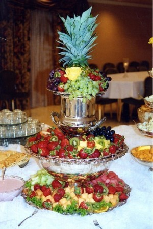 Wedding reception food table - Food decoration for wedding ...