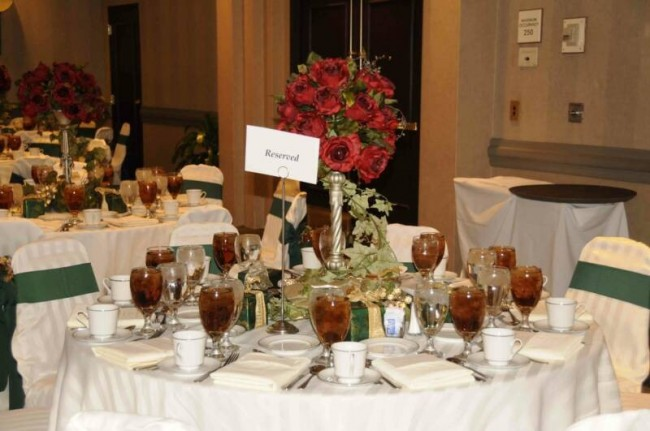 Great Red Rose Wedding Table Centerpieces 650 x 431 · 66 kB · jpeg