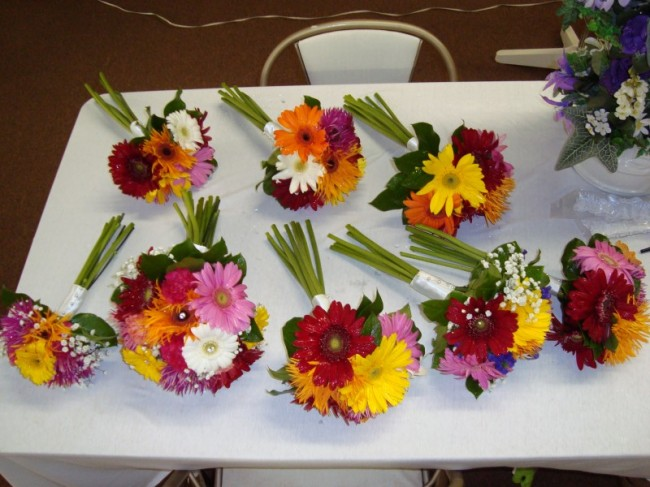 These bright wedding bouquets have been created using an array of colorful