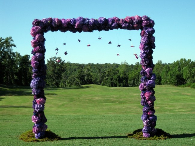 This beautiful wedding ceremony arch is absolutely breath taking
