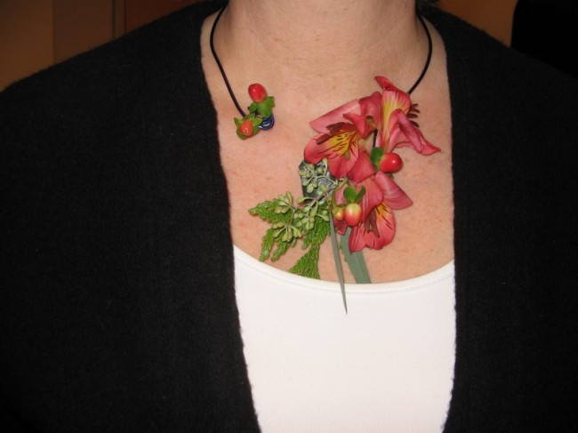Unique Floral Necklace