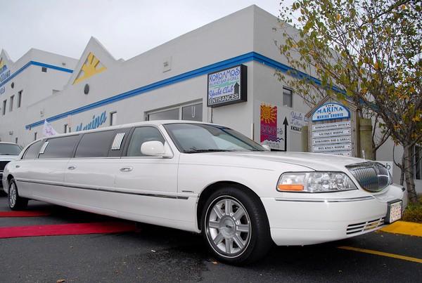 Bay Breeze Limousine Svc Inc
