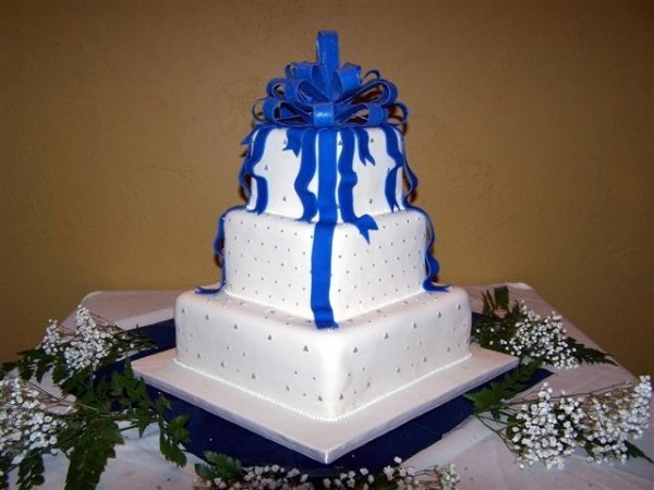 royal blue and black wedding cakes fleur s wildflower wedding bouquet i was smitten 19344