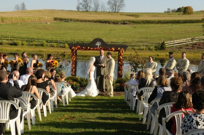 This gorgeous wedding ceremony depicts a perfect fall wedding