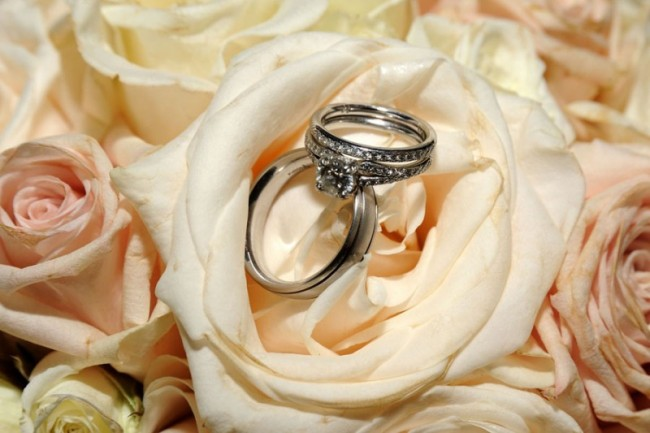 Beautiful Wedding Rings Captured In Flowers