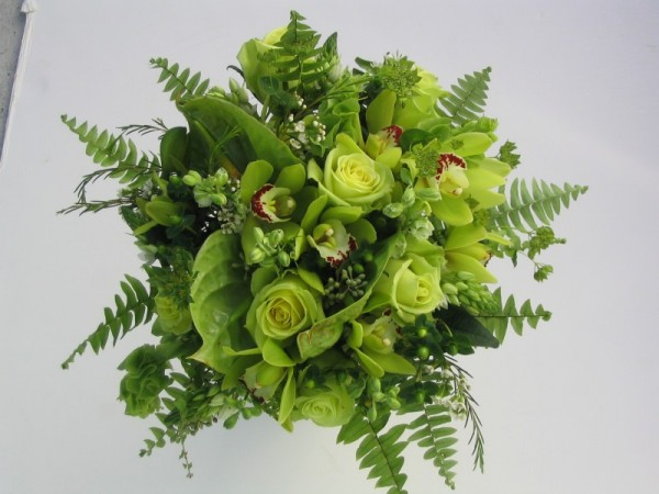 [Green Wedding Bouquet]