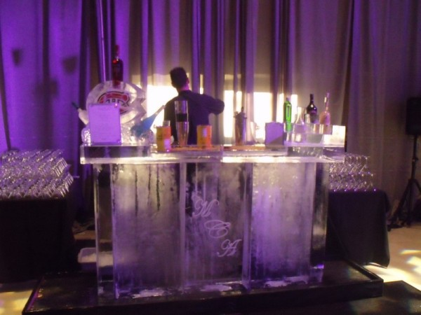 7 ft Ice Bar & Bottle Holders