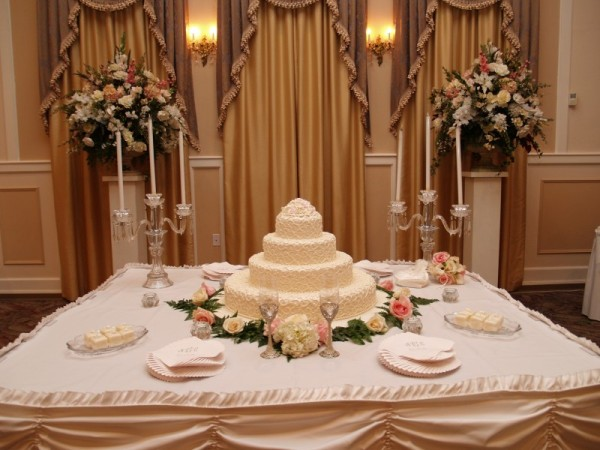 Gorgeous Detailed 4 Tiered Wedding Cake