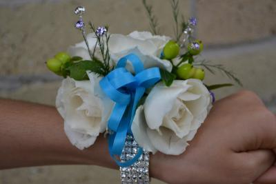 White Roses And Blue Ribbon