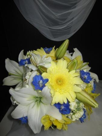 The Perfect Spring Bridal Bouquet